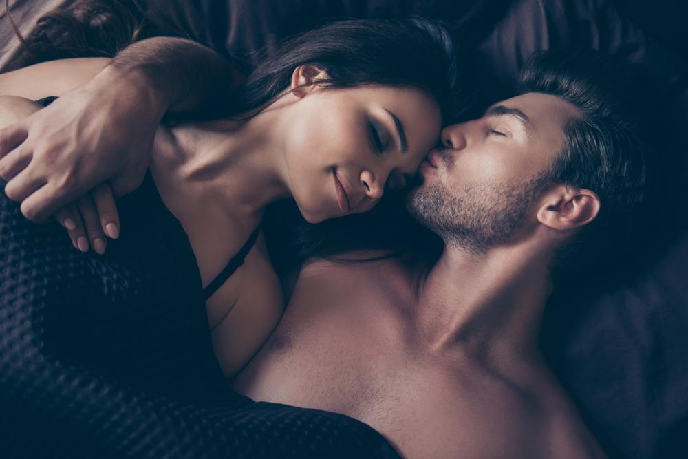 hvordan opfører en forelsket mand sig
