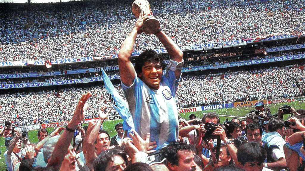 Bag om fodboldlegenden Maradona